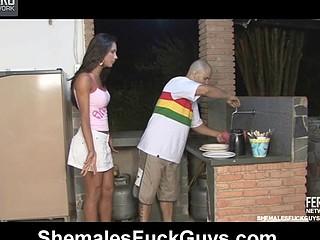 Leticia&Tony shemale bonks guy action
