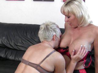 mature blonde lesbians having fun and hard sex