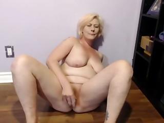 Sexy Floozy Squirting Orgasms