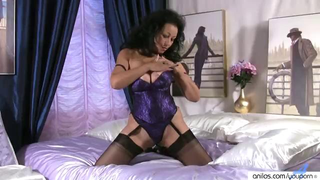 Huge Boobs on Mature in Stockings Stroking Snatch