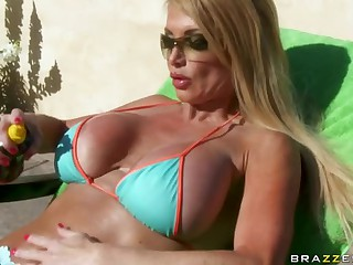 Lustful Blonde Taylor Wane Titty Bonks The Security Guy For Facial