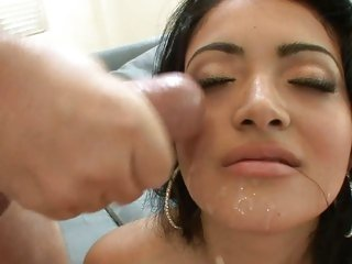 Sumptuous Andrea Kelly gets a face full of sexy ball cream
