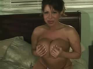 Ava Devine wants to give a titjob