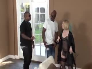 Housewife welcomes to black men to fuck her