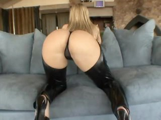Alexis Texas teases us in leather chaps